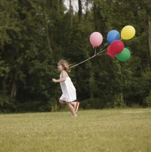 girl-balloons